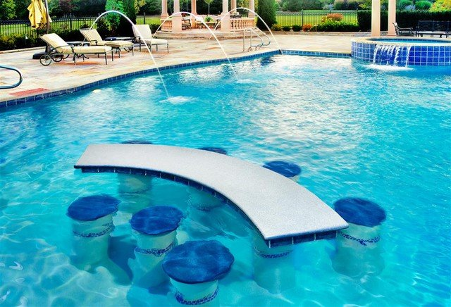 In-Water Table & Chairs